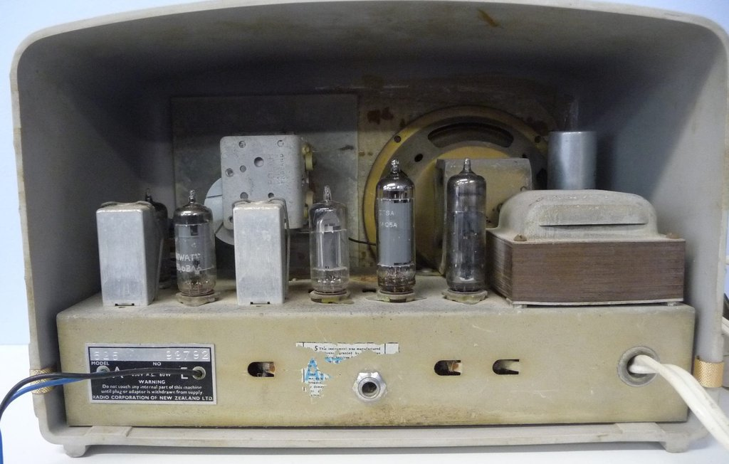 NZ Vintage Radio - 1959 Astor model 525