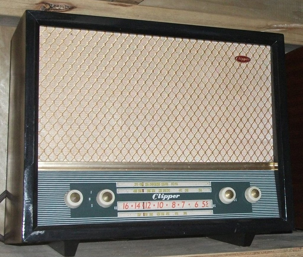 NZ Vintage Radio - 1957 Clipper 1957 Clipper model 616