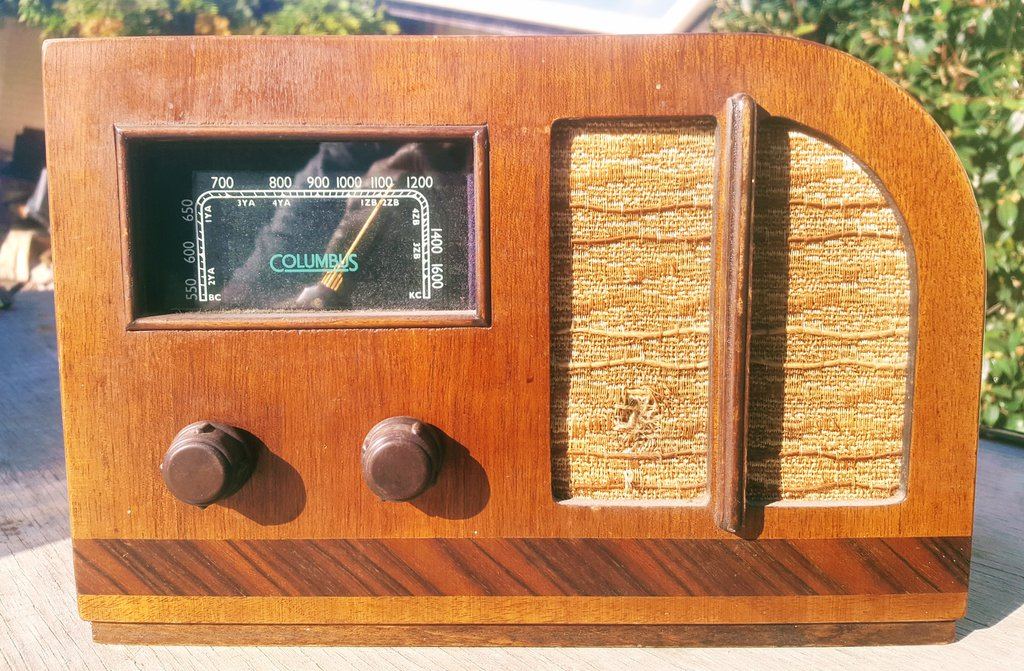 NZ Vintage Radio - 1945 Columbus 12A