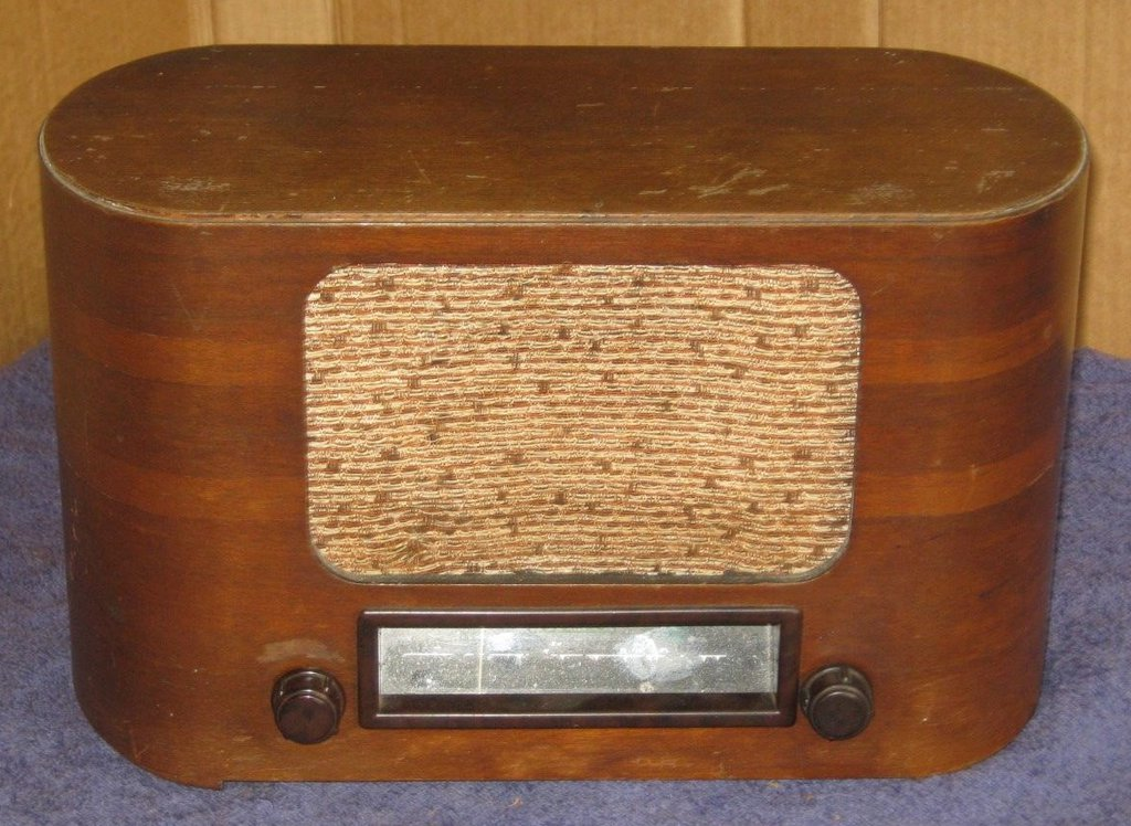 NZ Vintage Radio - Columbus 14 'Gainsborough'