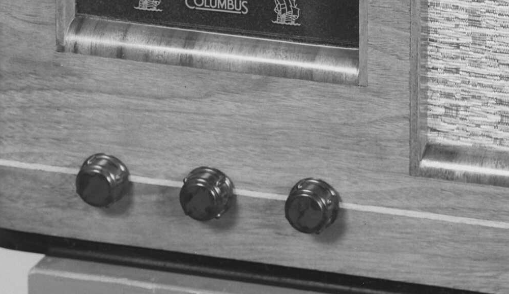 NZ Vintage Radio - 1949 Columbus model 19 Original Knobs