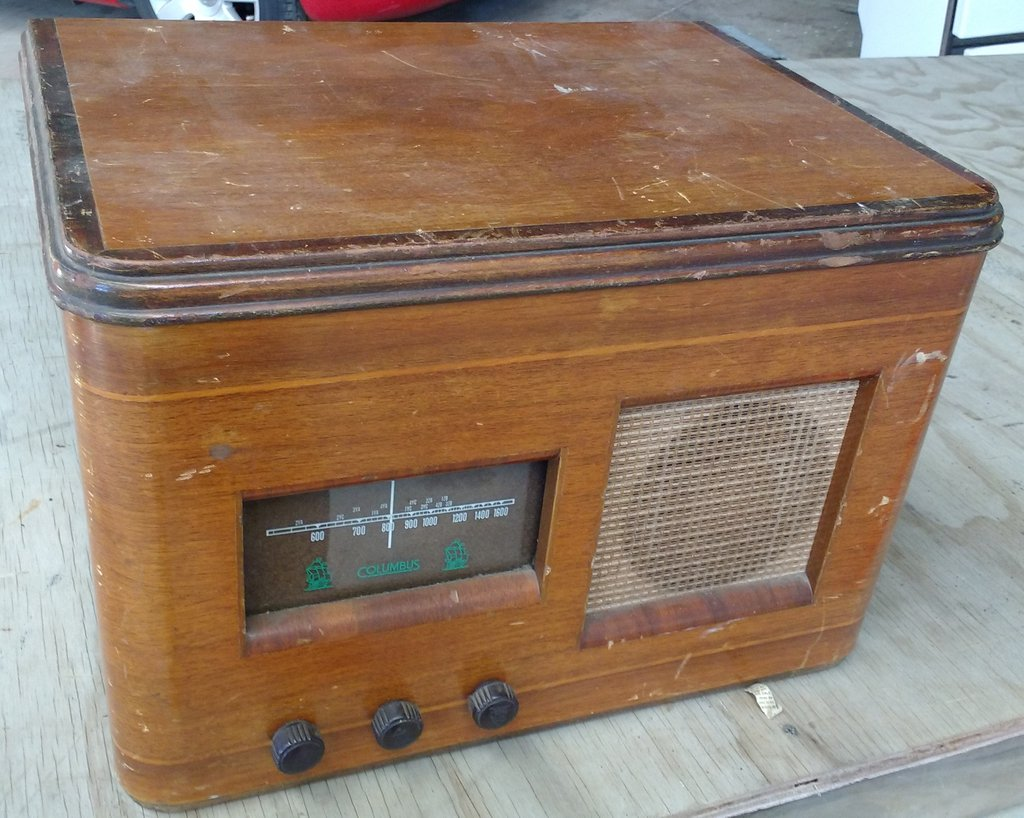 NZ Vintage Radio - Columbus 19