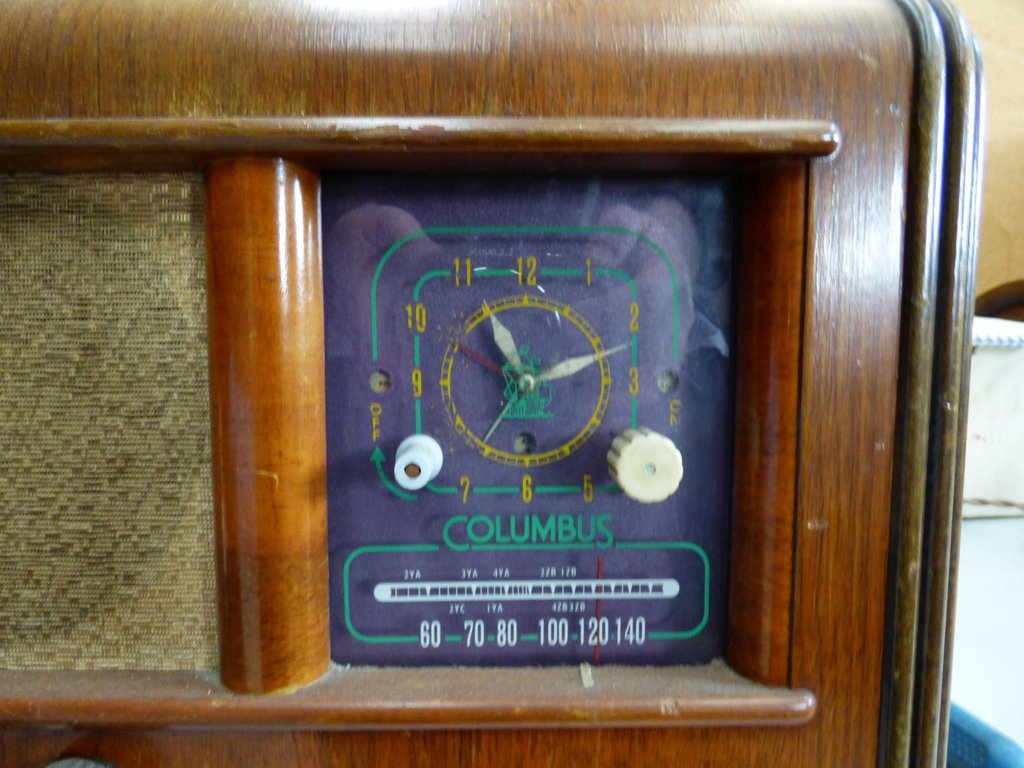 NZ Vintage Radio - Columbus 4