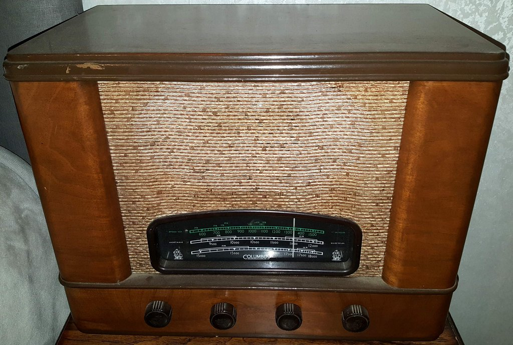 NZ Vintage Radio - 1948 Columbus model 44