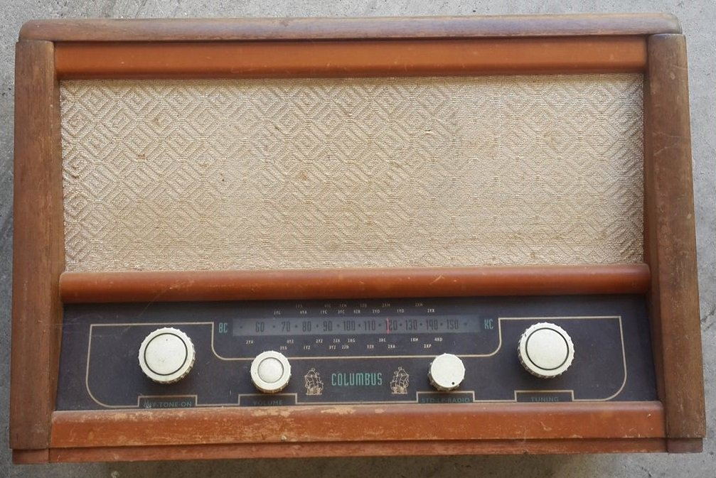 NZ Vintage Radio - 1956 Columbus model 501 Argyle
