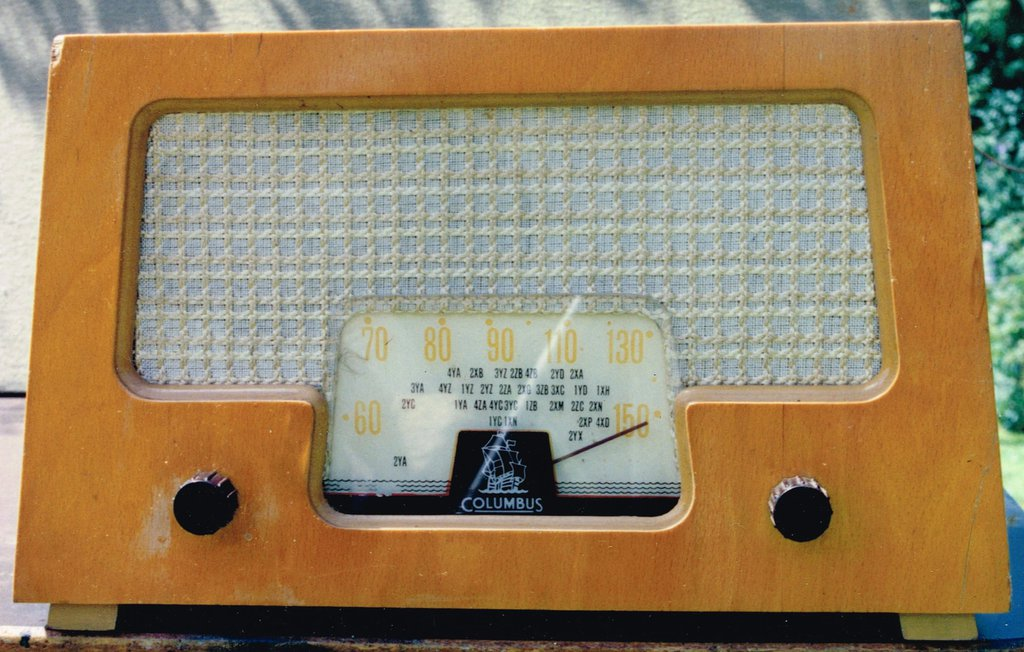 NZ Vintage Radio - 1956 Columbus 521