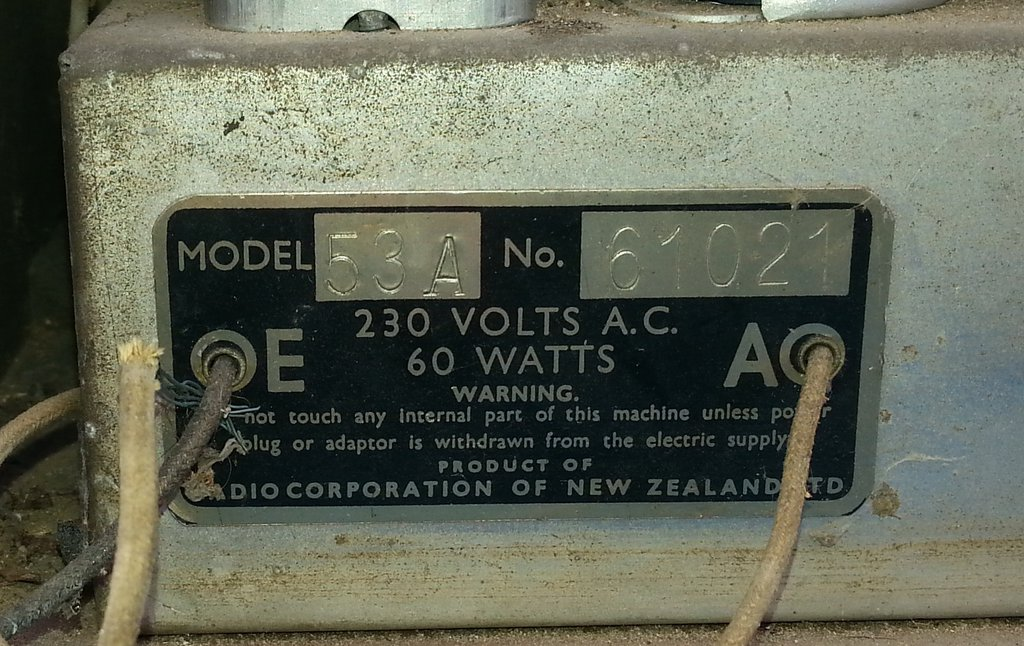 NZ Vintage Radio - 1946 Columbus model 53