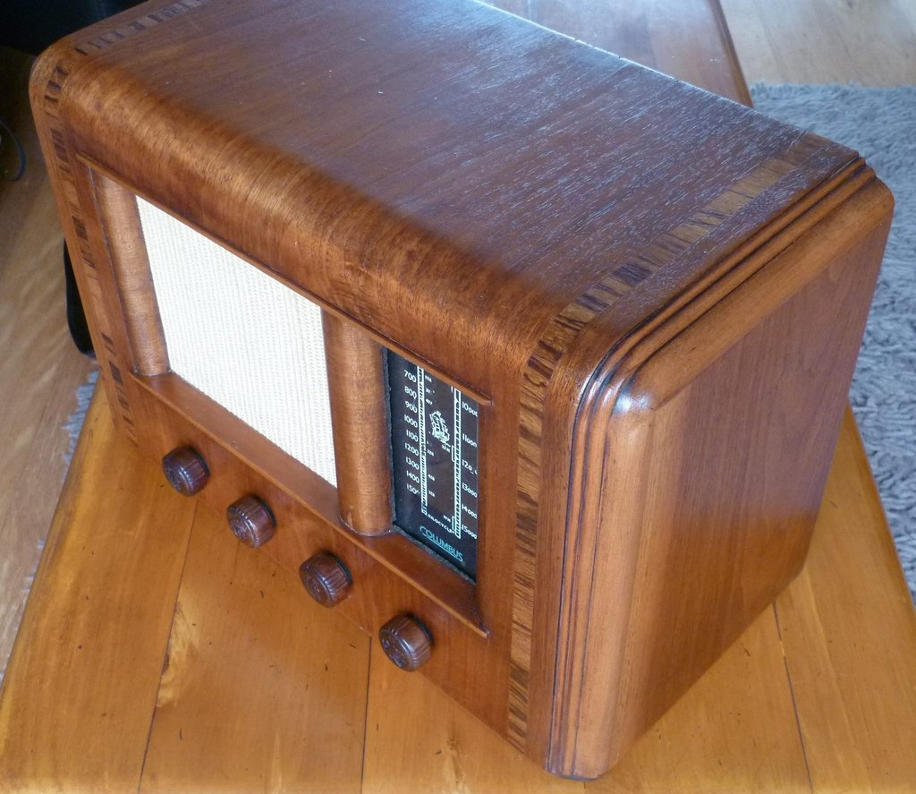 NZ Vintage Radio - 1946 Columbus model 55