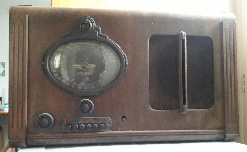 NZ Vintage Radio - 1938 Columbus model 60 in Helmsman cabinet (see Columbus model 36)