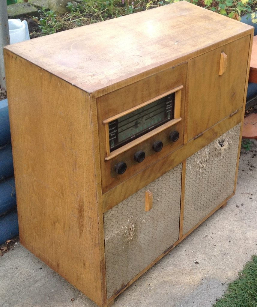 NZ Vintage Radio - Columbus 605