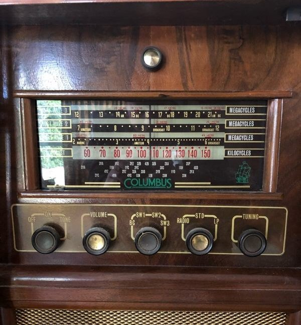NZ Vintage Radio - 1956 Columbus model 606