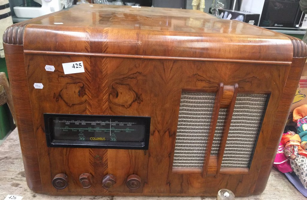 NZ Vintage Radio - 1940 Columbus model 62