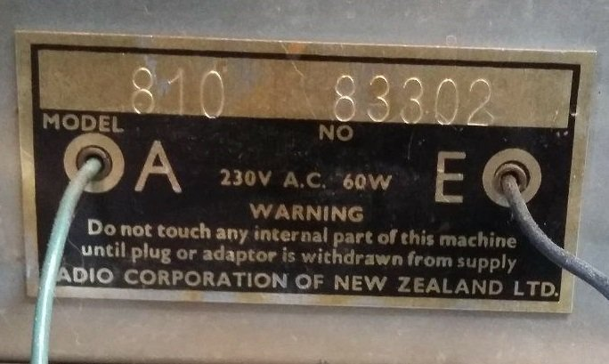 NZ Vintage Radio - Columbus model 810