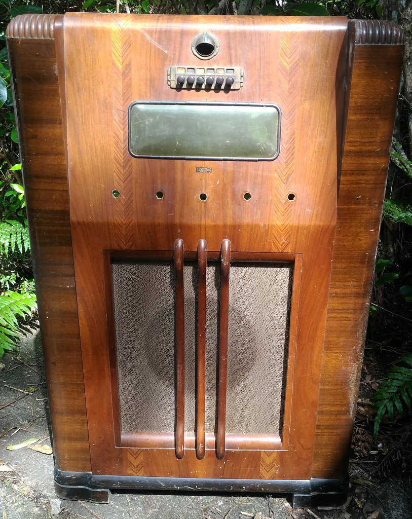 NZ Vintage Radio - 1939 Columbus model 88