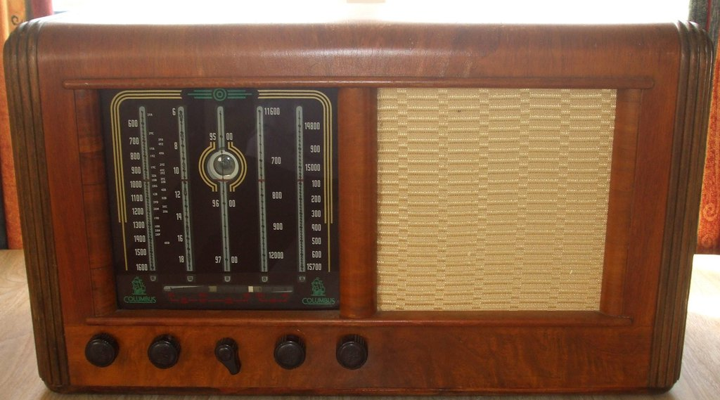 NZ Vintage Radio - 1950 Columbus model 91
