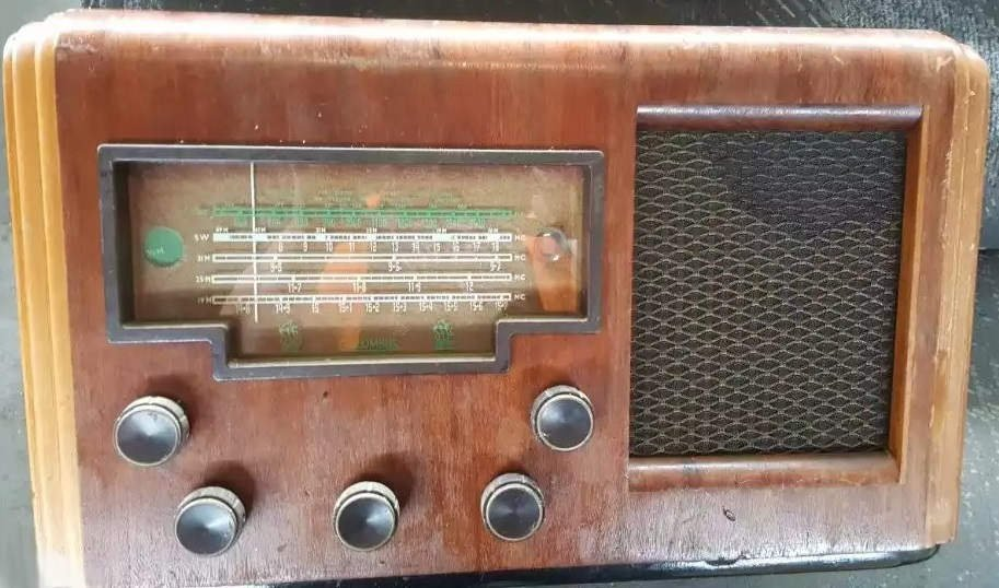 NZ Vintage Radio - 1954 Columbus model 92