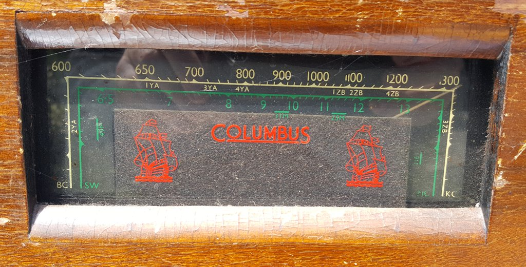 NZ Vintage Radio - 1939 Columbus model 95