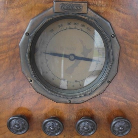 NZ Vintage Radio - 1934 Courtenay model 108