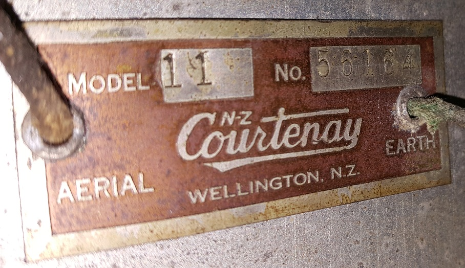 NZ Vintage Radio - Courtenay 11
