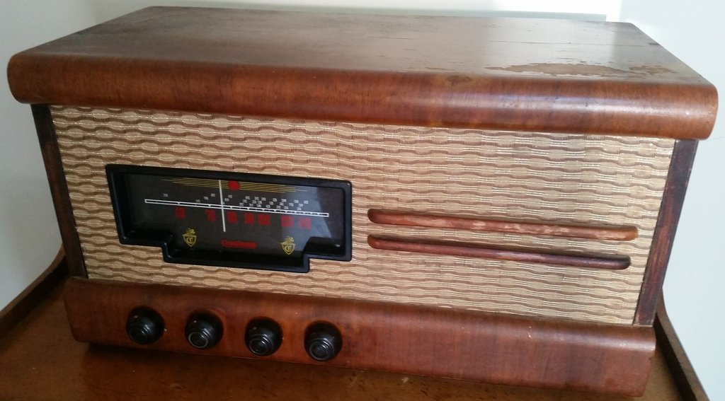 NZ Vintage Radio - 1952 Courtenay 26N