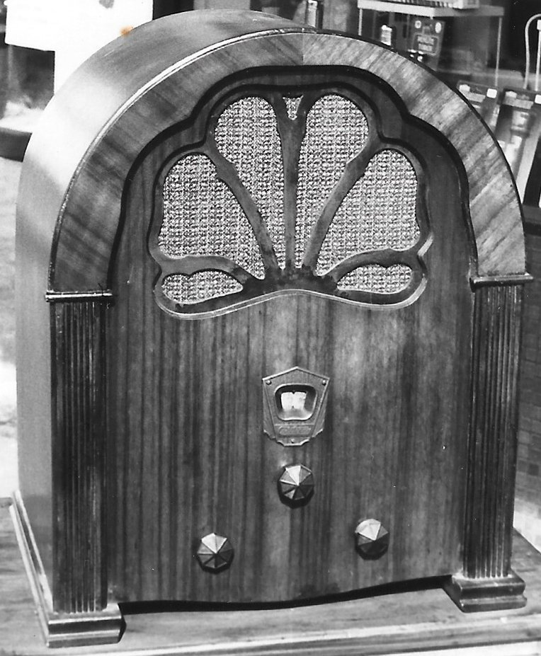 NZ Vintage Radio - 1932 Courtenay 5C