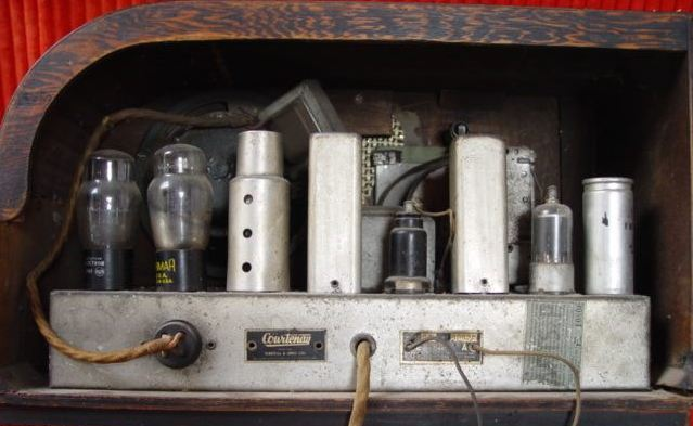 NZ Vintage Radio - Courtenay 84