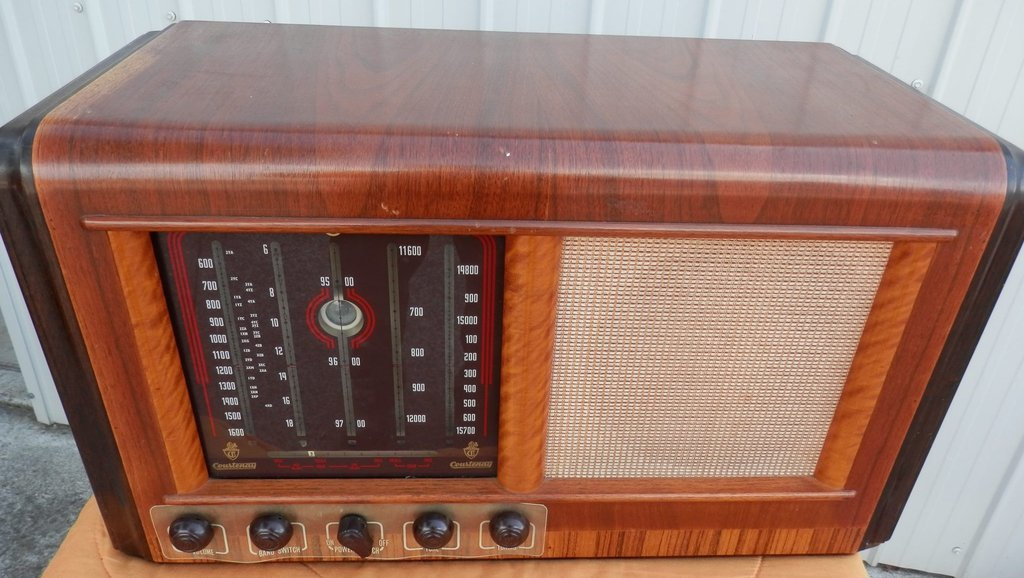 NZ Vintage Radio - 1950 Courtenay model 91