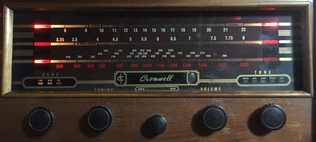 NZ Vintage Radio - 1955 Cromwell  model 11355