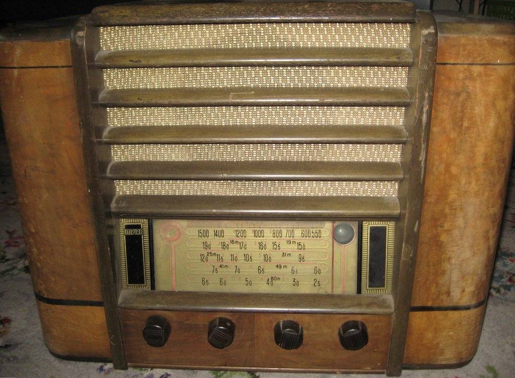 NZ Vintage Radio - Empire model 117