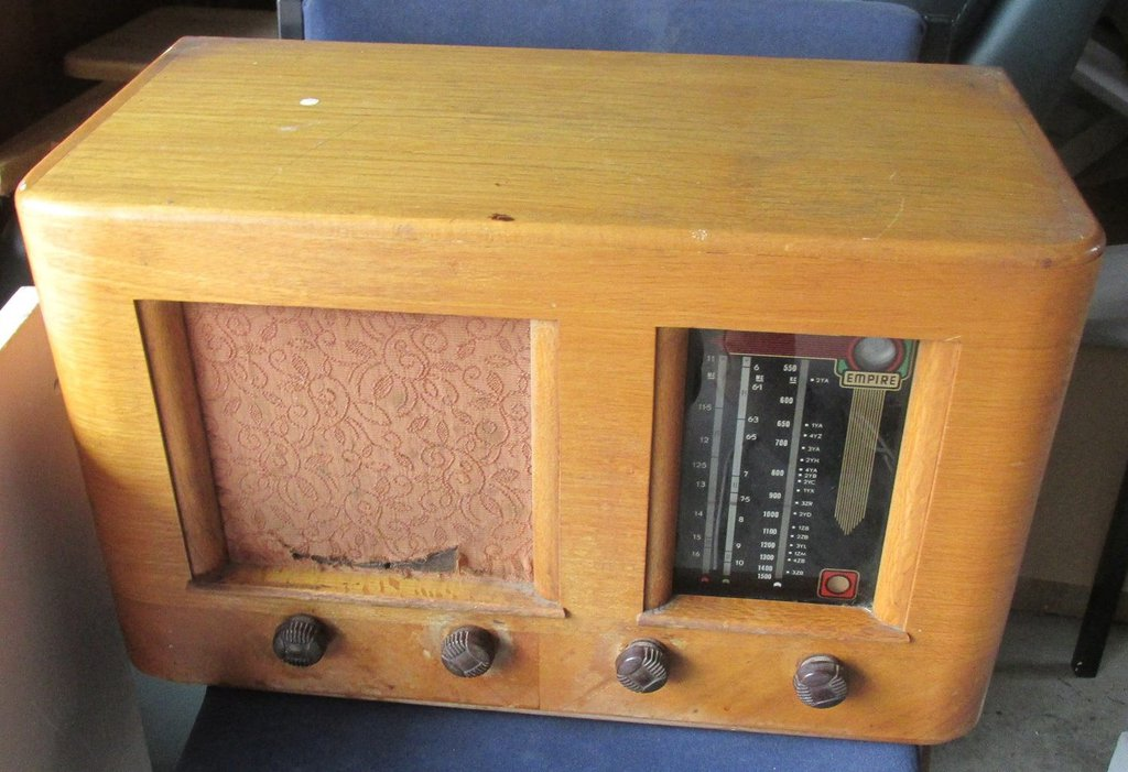 NZ Vintage Radio - Empire 126