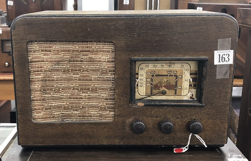 NZ Vintage Radio - 1946 Everest BC Mantle