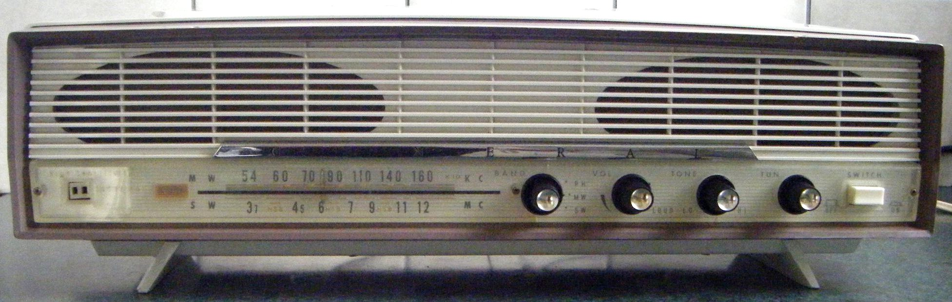 NZ Vintage Radio - General 'Gordon' 5MA-826