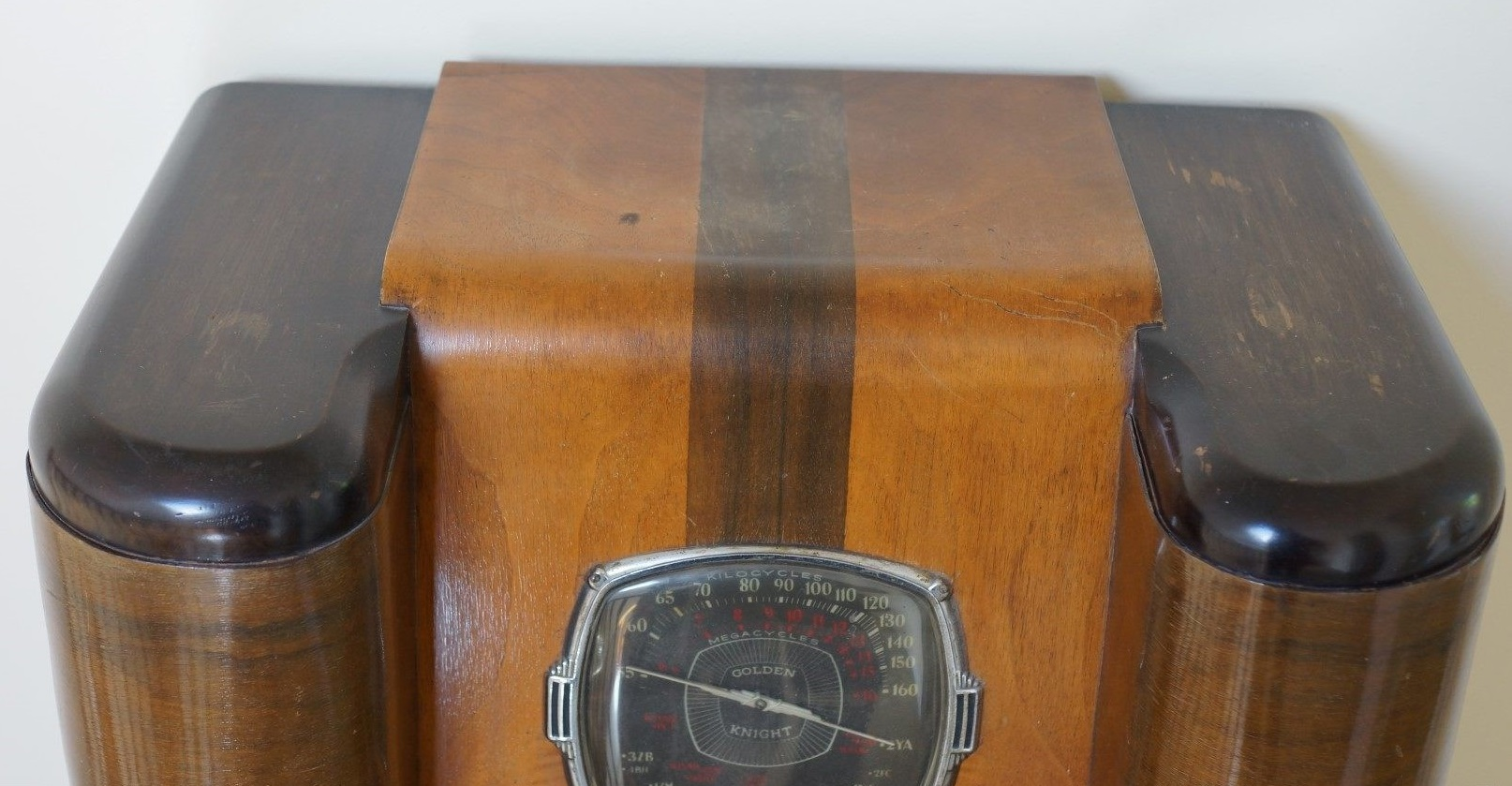 NZ Vintage Radio - Golden Knight 6LSC