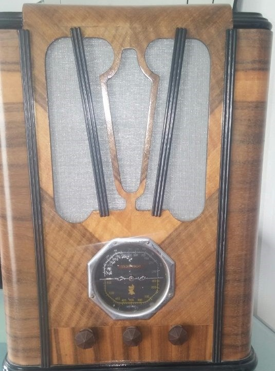 NZ Vintage Radio - Golden Knight BTR