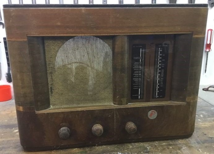 NZ Vintage Radio - 1940 Golden Knight EC