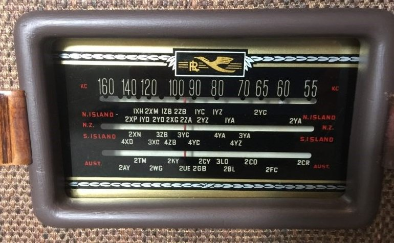 NZ Vintage Radio - 1948 Golden Knight RAG