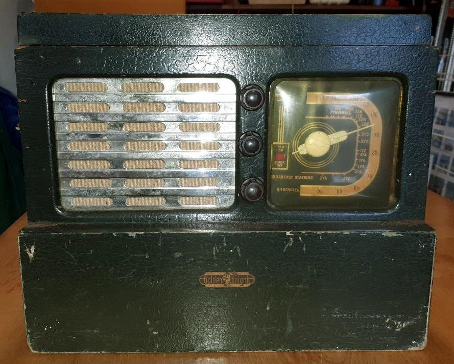 NZ Vintage Radio - 1948 Golden Knight RAJ