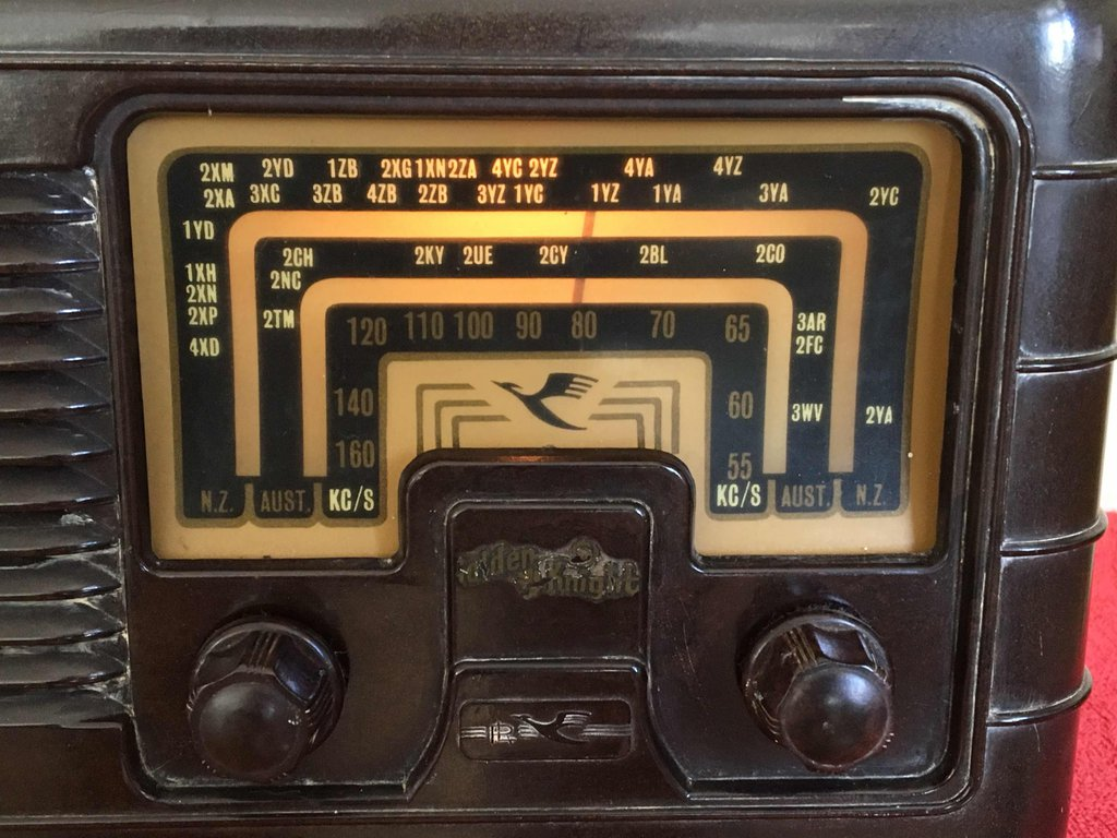 NZ Vintage Radio - Golden Knight RBG