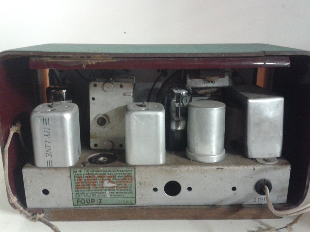 NZ Vintage Radio - 1950 Hy-Line 4V Midget Mantle