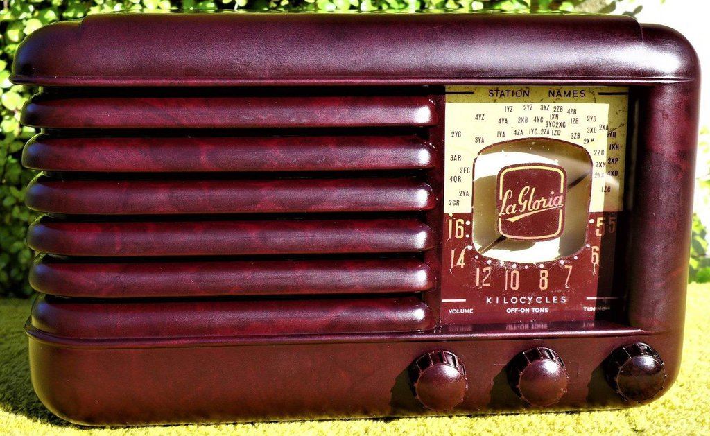 NZ Vintage Radio - 1961 La Gloria Imp