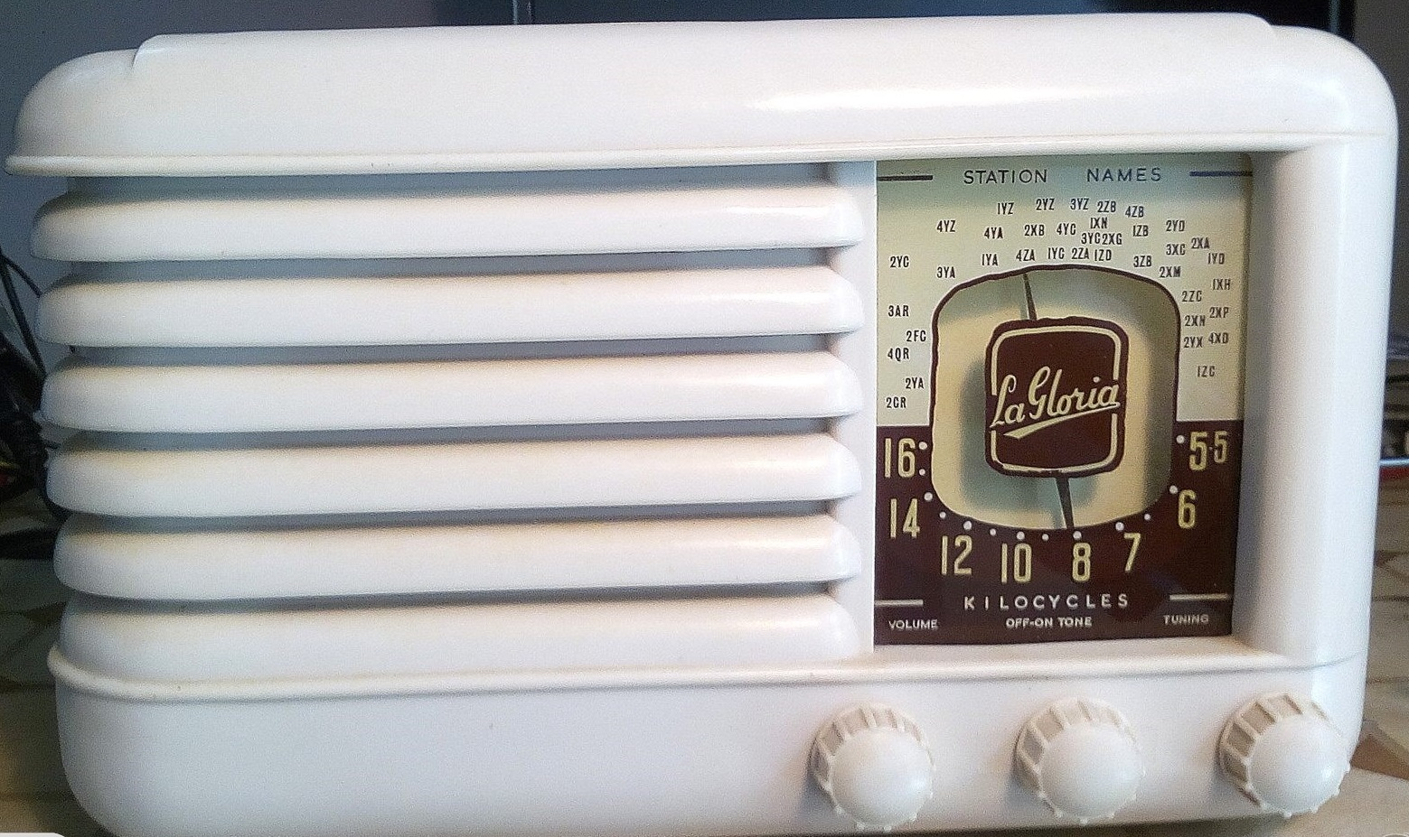 NZ Vintage Radio - La Gloria Imp