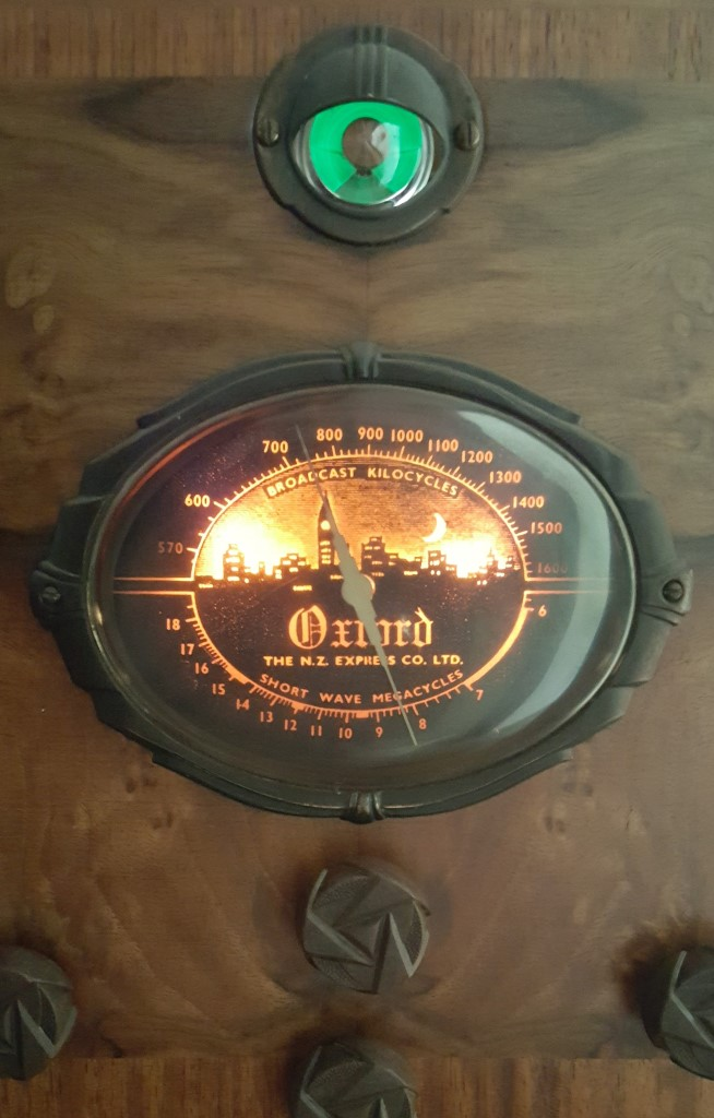 NZ Vintage Radio - Oxford 56M