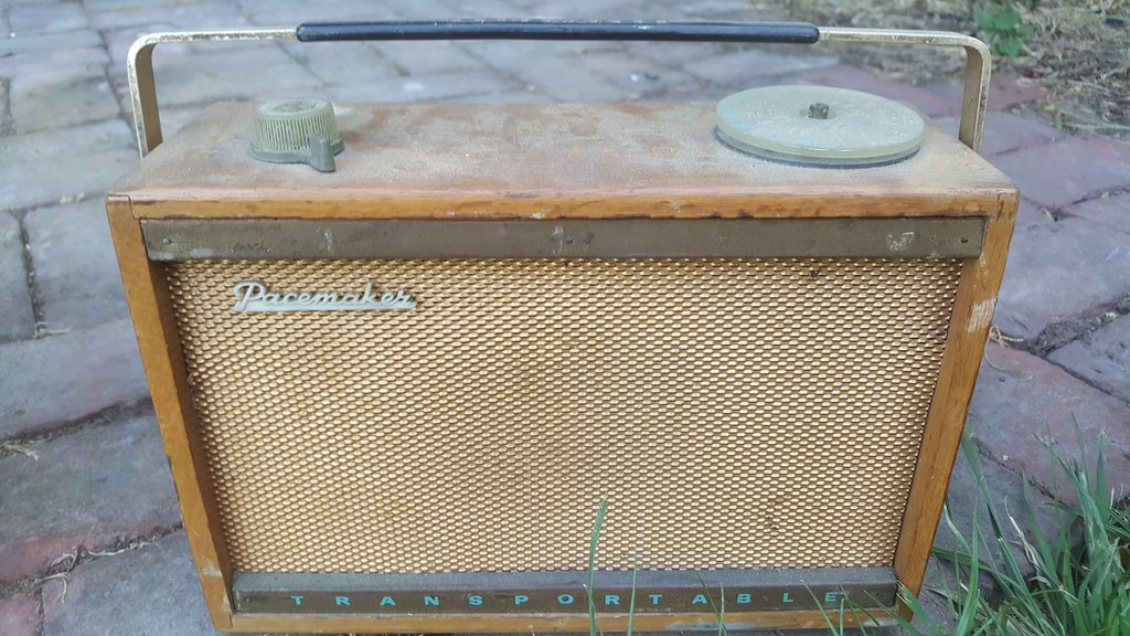 NZ Vintage Radio - 1960 Pacemaker Transportable