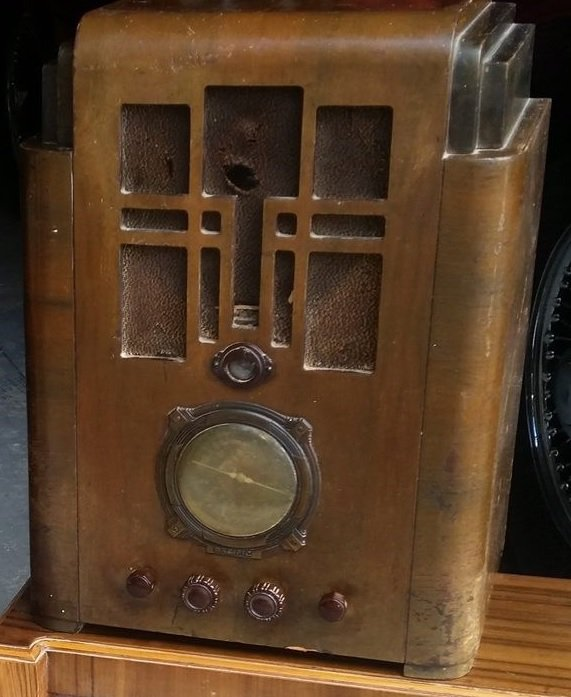 NZ Vintage Radio - 1936 Pacific model 18