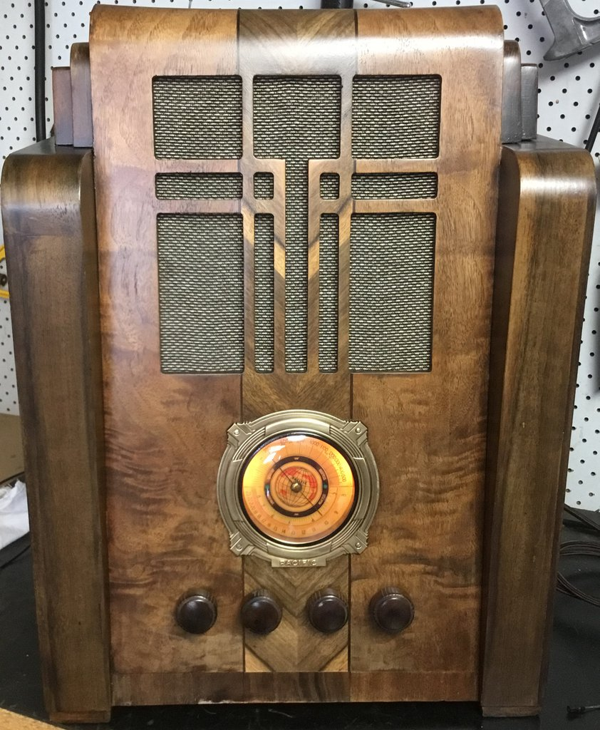 NZ Vintage Radio - 1936 Pacific model 33