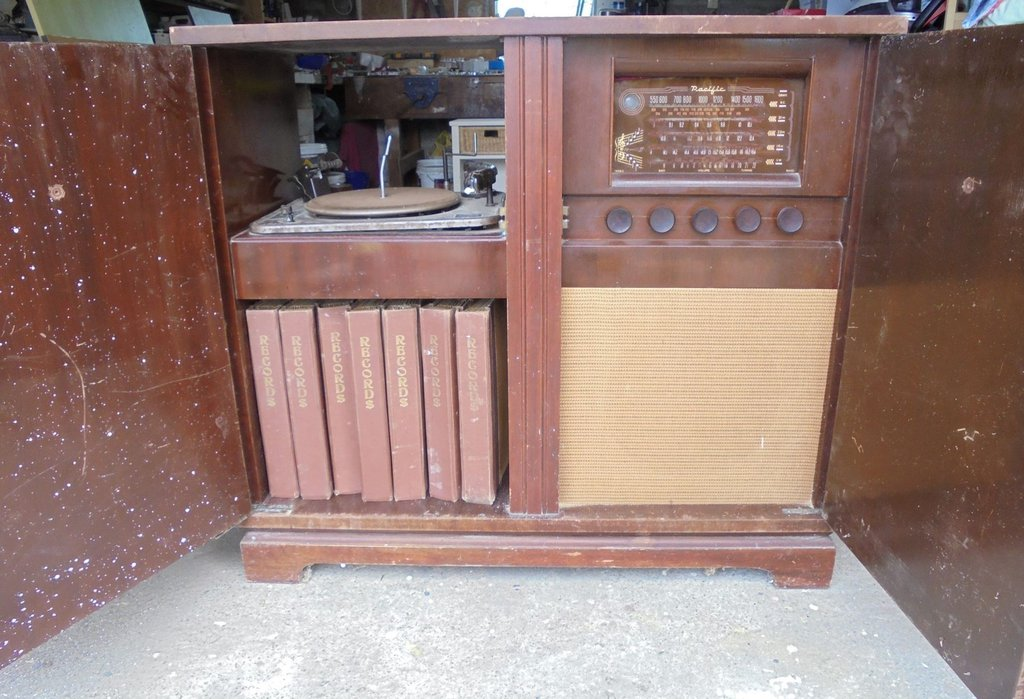 NZ Vintage Radio - 1953 Pacific (Post-WWII) model 1053
