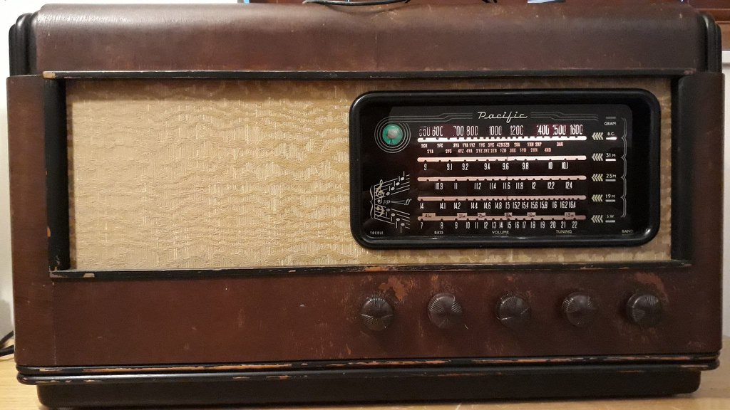 NZ Vintage Radio - 1949 Pacific (Post-WWII) model 1059