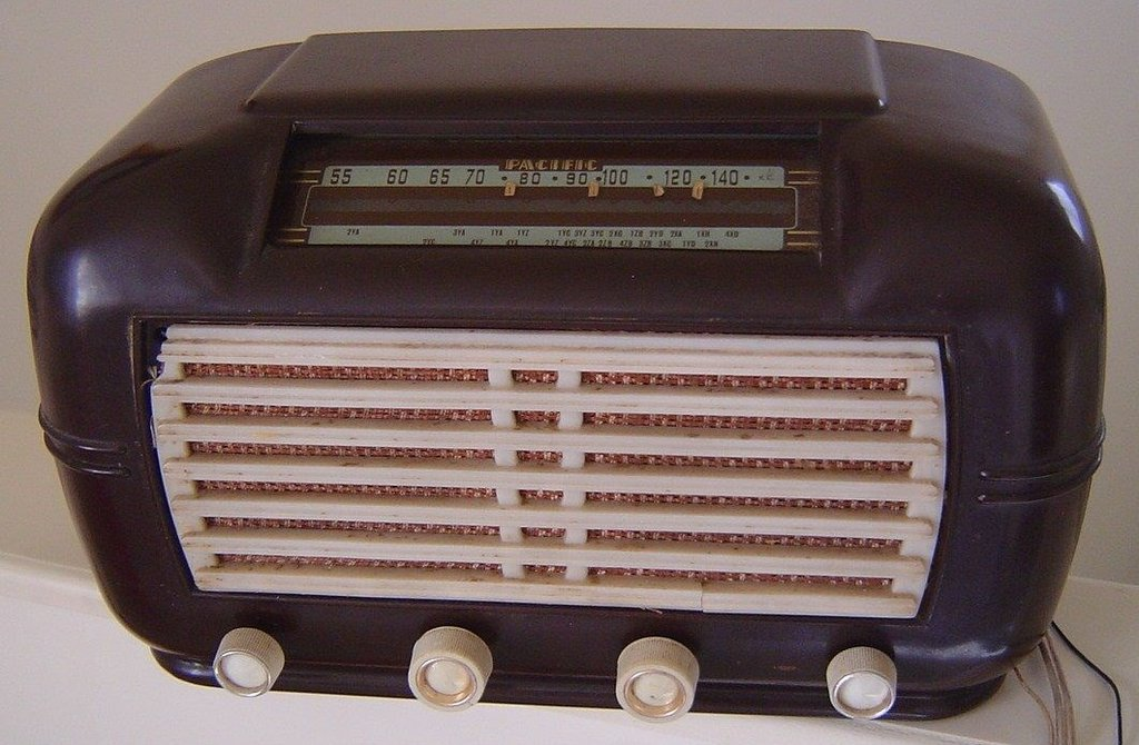 NZ Vintage Radio - 1949 Pacific (Post-WWII) model 519