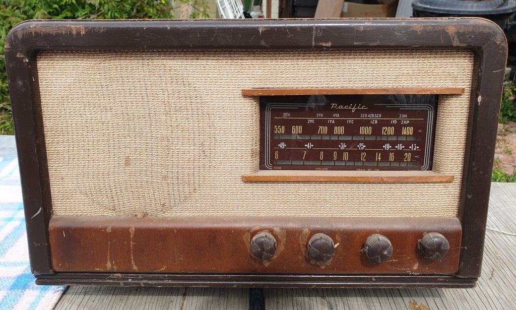 NZ Vintage Radio - Pacific (Post-WWII) model 528