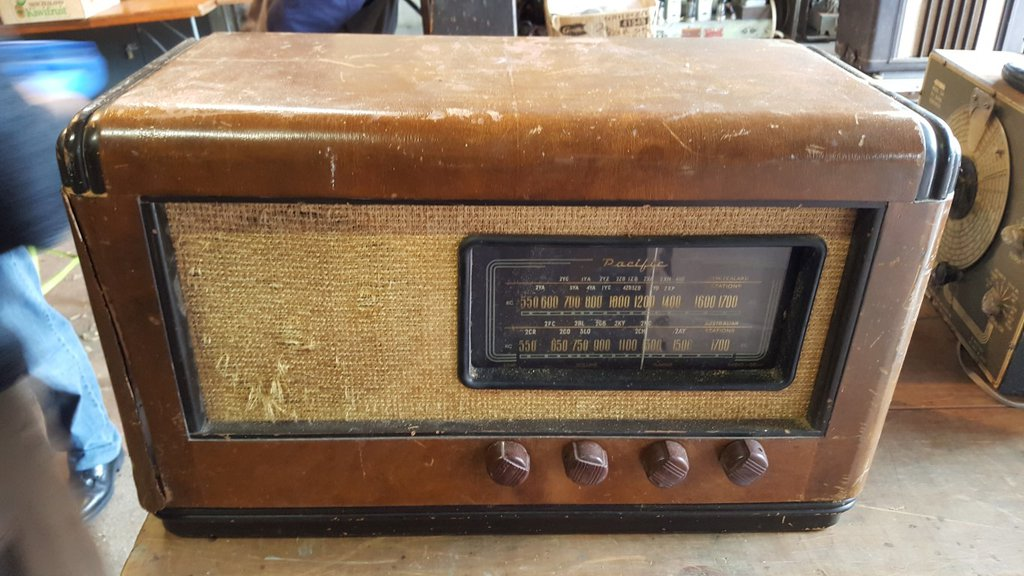 NZ Vintage Radio - 1947 Pacific (Post-WWII) model 617